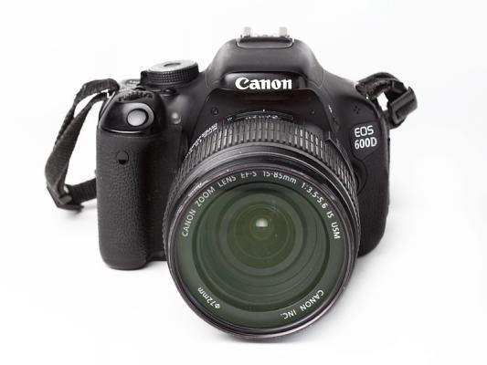 Canon  EOS 600D + обектив Canon 15-85 f/3.5-5.6 IS USM