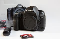 Фотоапарат Canon 5D Mark II