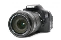 Фотоапарат Canon 600D + 18-135mm + чанта Case Logic