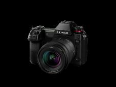 Фотоапарат Panasonic Lumix S1 Black Body + Обектив 20-60mm f3.5-5.6