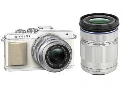 Фотоапарат Olympus Pen E-PL7 White тяло + Обектив M.Zuiko Digital ED 14-42mm 1:3.5-5.6 EZ Silver + обектив Olympus M.Zuiko Digital ED 40-150mm f/4.0-5.6